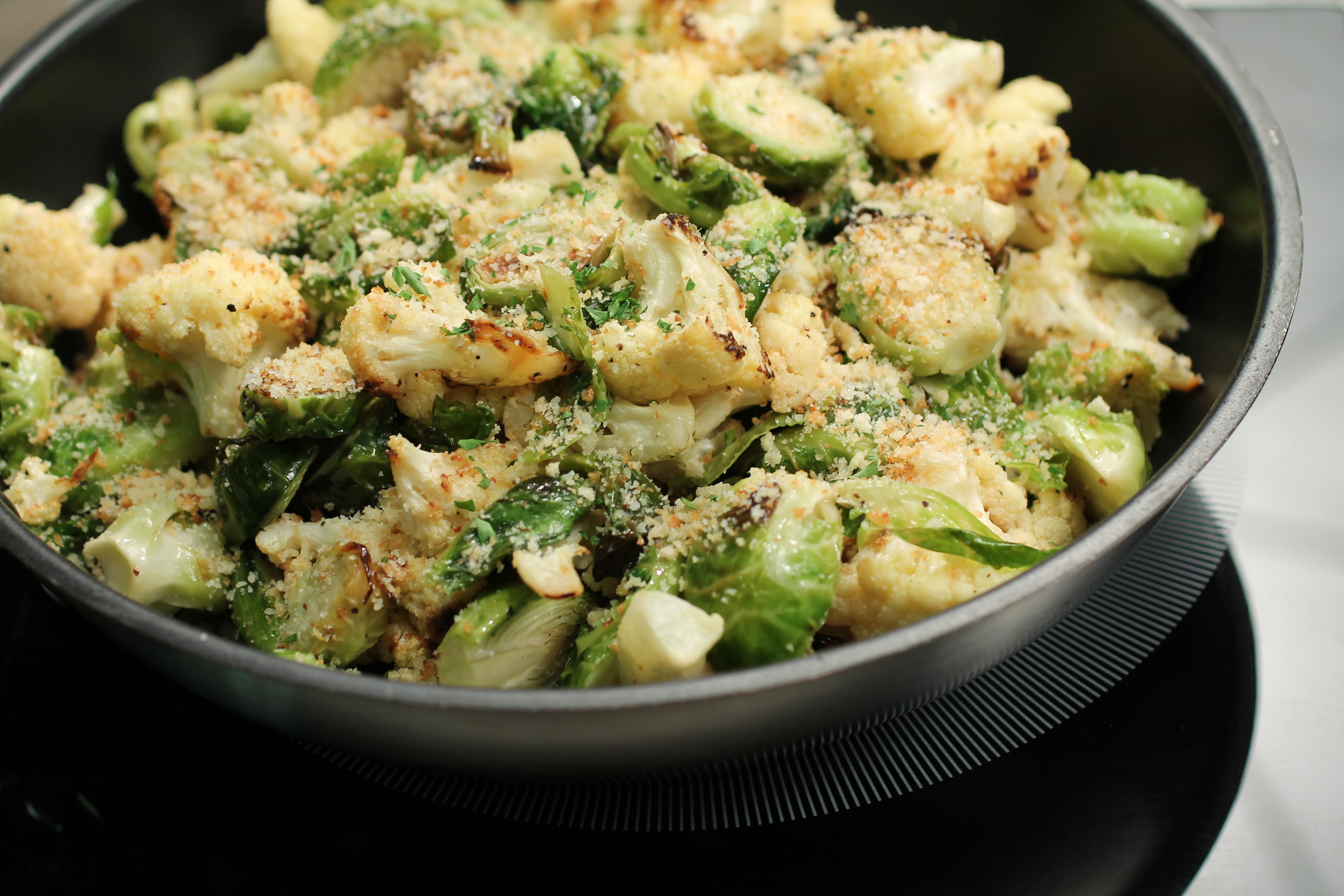 Roasted Brussels Sprouts and Cauliflower Thanksgiving side