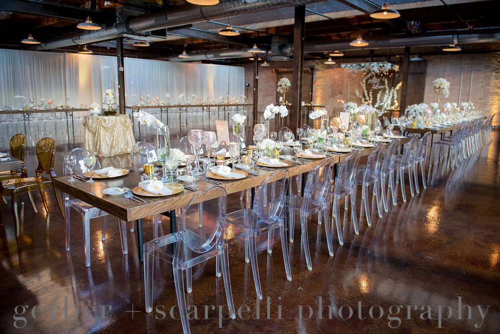 Gatsby wedding reception table and decor
