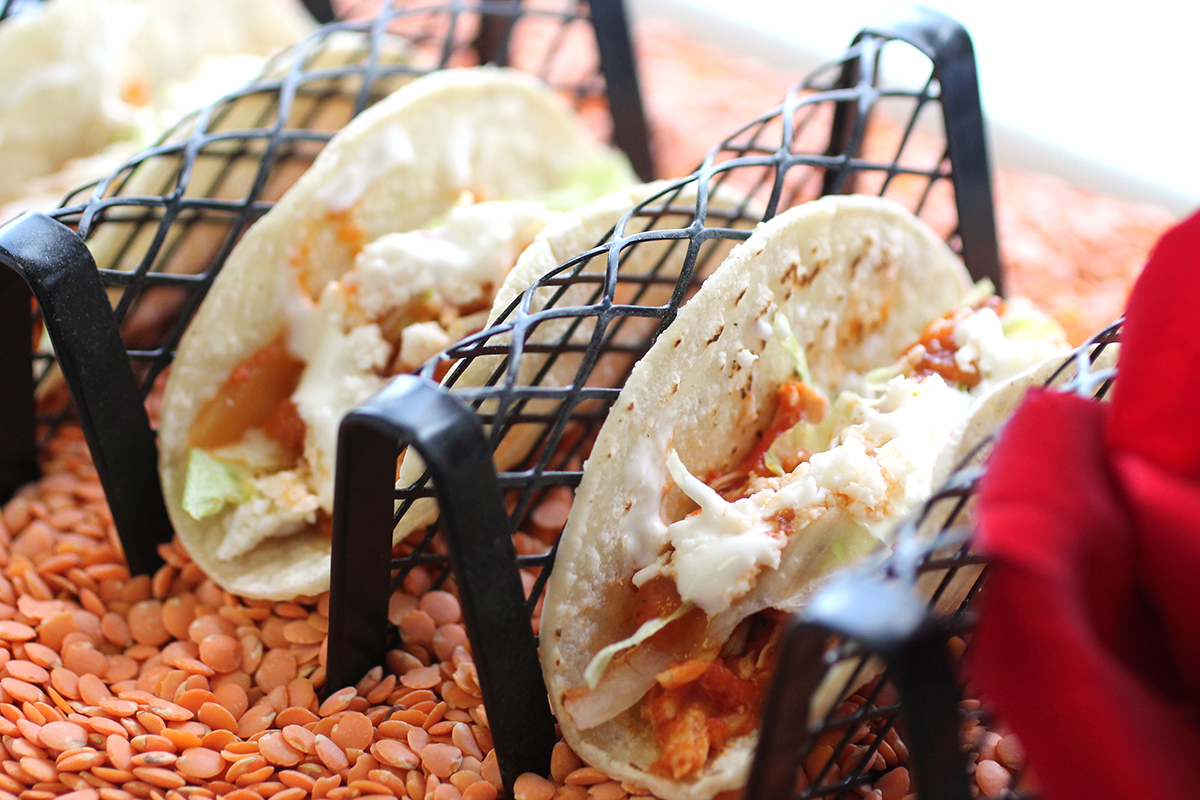 CBM-Miniature-Tinga-de-Pollo-Tacos-in-Rack