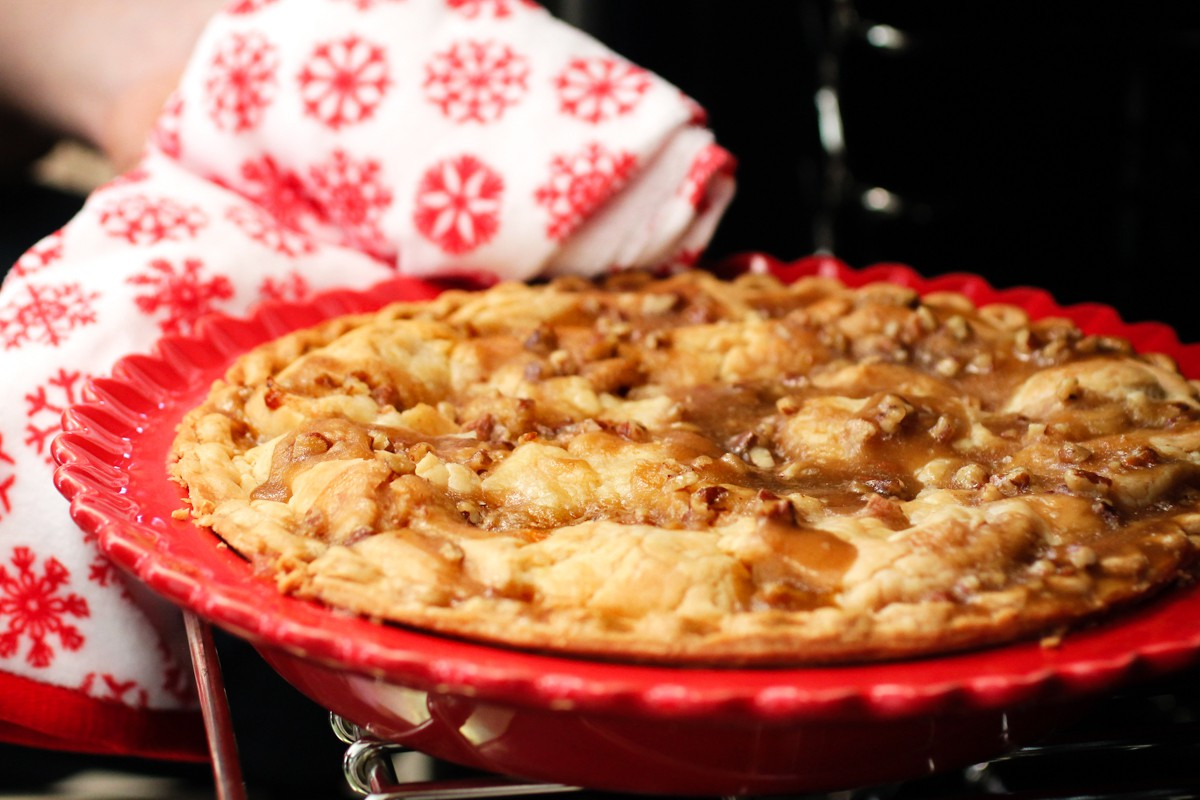 Butter toffee apple pie