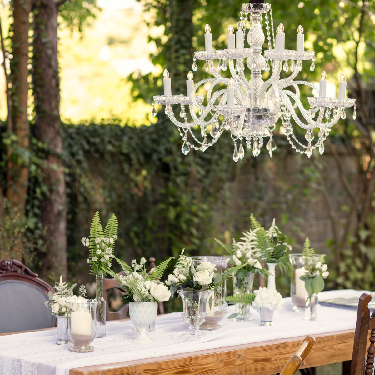 Picture-perfect wedding table decor